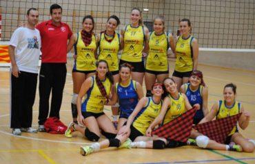 Las jugadoras de voleibol de Almozara 2000 continúan en Primera División